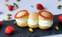 Choux fraise-pistache