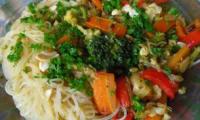 Pad thai vegan rapide avec sa sauce maison facile