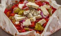 Tomates et fêta en papillote