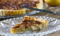 Tarte briarde pommes, oignons et brie de Meaux