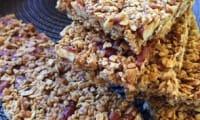 Les barres de céréales aux flocons d'avoine et noix de pécan