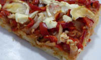 Pizza au poivron rouge et au chèvre