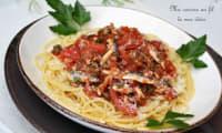 Spaghetti aux tomates fraîches, anchois et persil plat