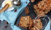 Irish soda bread complet aux noisettes, figues et abricots séchés