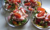 Verrines apéritives campagnardes petits légumes croquants et lardons fumés
