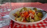 Duo de choux et carottes au lard fumé et oignons vinaigrette