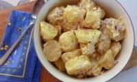 Salade de pommes de terre avec mayonnaise maison