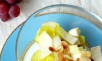Salade d'endives et raisins frais, amandes croquantes