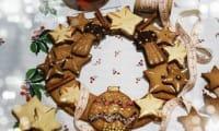 Couronne de l'Avent et ses biscuits à la cannelle
