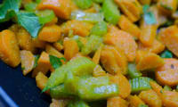Poêlée de carottes et de céleri-branche au curry
