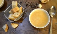 Soupe aux légumes du moment et ses croûtons à l'ail