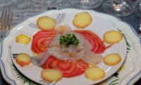 Carpaccio de St Jacques aux pommes de terre et betteraves chiogga