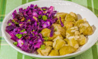 Salades de chou rouge et de choux de Bruxelles