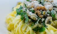 Linguini aux olives et aux câpres