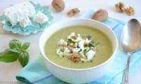 Soupe glacée courgettes feta et noix