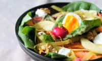 Salade végétarienne gourmande et croquante