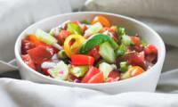 Salade de tomates fraîche et estivale