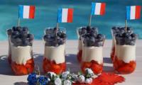 Verrines du 14 juillet fraises myrtilles et Chantilly