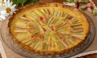 Tarte amandine à la rhubarbe