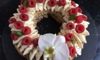 Dacquoise pistaches ganache chocolat blanc et framboises