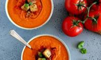Soupe de tomates et poivrons rôtis