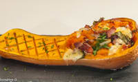 Courge butternut farcie au bacon, mozzarella et blette