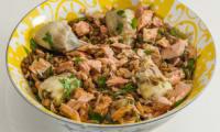 Salade de lentilles au saumon, artichauts et épices douces