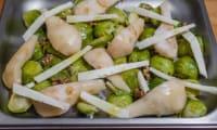 Choux de Bruxelles poires et pécorino au four