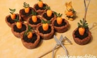 Carrot cookies pot