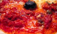 Pizza au thon à la provençale