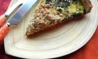Tarte crumble aux épinards, tofu et quinoa