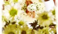 Oeuf mollet perdu dans son bosquet d'asperge