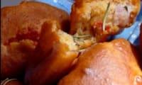 Madelaines salées à la sauce aux tomates cerises et au romarin