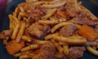 Ragoût de porc aux pâtes et aux légumes