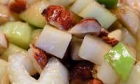 Salade de céleri branche à la pomme, au comté et à la noisette