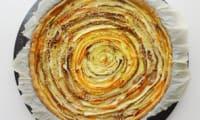 Tarte aux légumes, curry, sésame et parmesan
