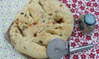 Fougasse provençale : jambon, olives et tomates séchées