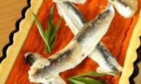 Tarte à la crème de poivron rouge et aux anchois marinés