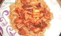 Spaghettis au calamar et sauce tomate