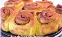 Cinnamon pumpkin rolls