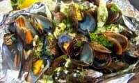 Moules en papillotes au fenouil et aux épices