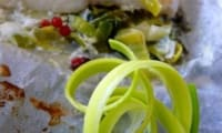 Julienne sur lit de poireaux à la citronnelle