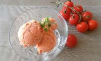 Glace aux tomates confites, chèvre frais et basilic
