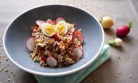 Salade de tomates, radis et céréales