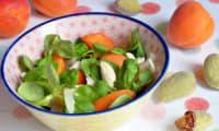 Salade d'abricots, parmesan et amandes fraiches