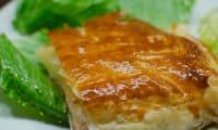 Feuilleté au camembert et au bacon