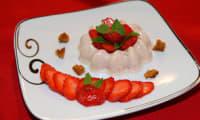 Bavarois à la fraise et au pain d'épice grillé