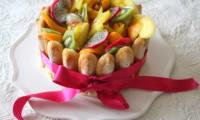Charlotte aux fruits exotiques