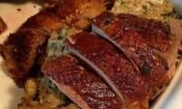 Oie farcie aux marrons, au foie gras et truffes et rôtie à la broche