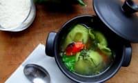 Soupe de tortellini aux tomates-cerises rôties et épinards